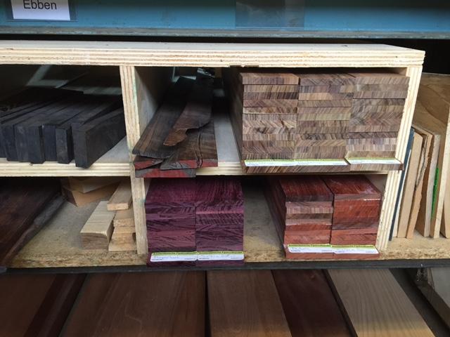 Nieuw binnen hout voor muziekinstrumenten for Hout voor traptreden