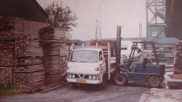 geschiedenis-van-de-amsterdamsche-fijnhouthandel-minervahaven-4